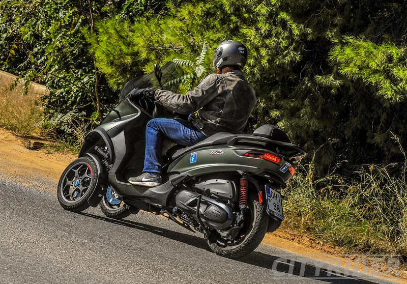 test piaggio mp3 350 sport kinisi 15