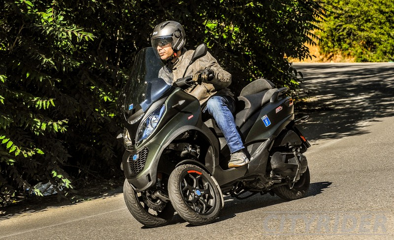 test piaggio mp3 350 sport kinisi 17